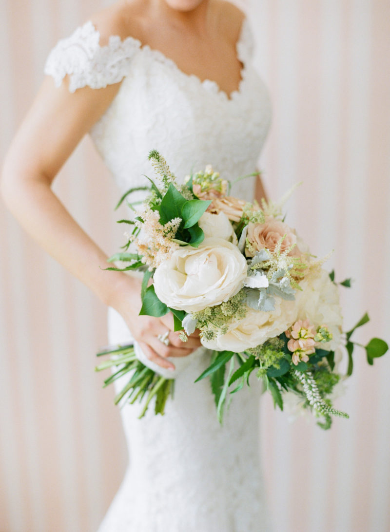 theknot-spring-virginia-homestead-wedding_012