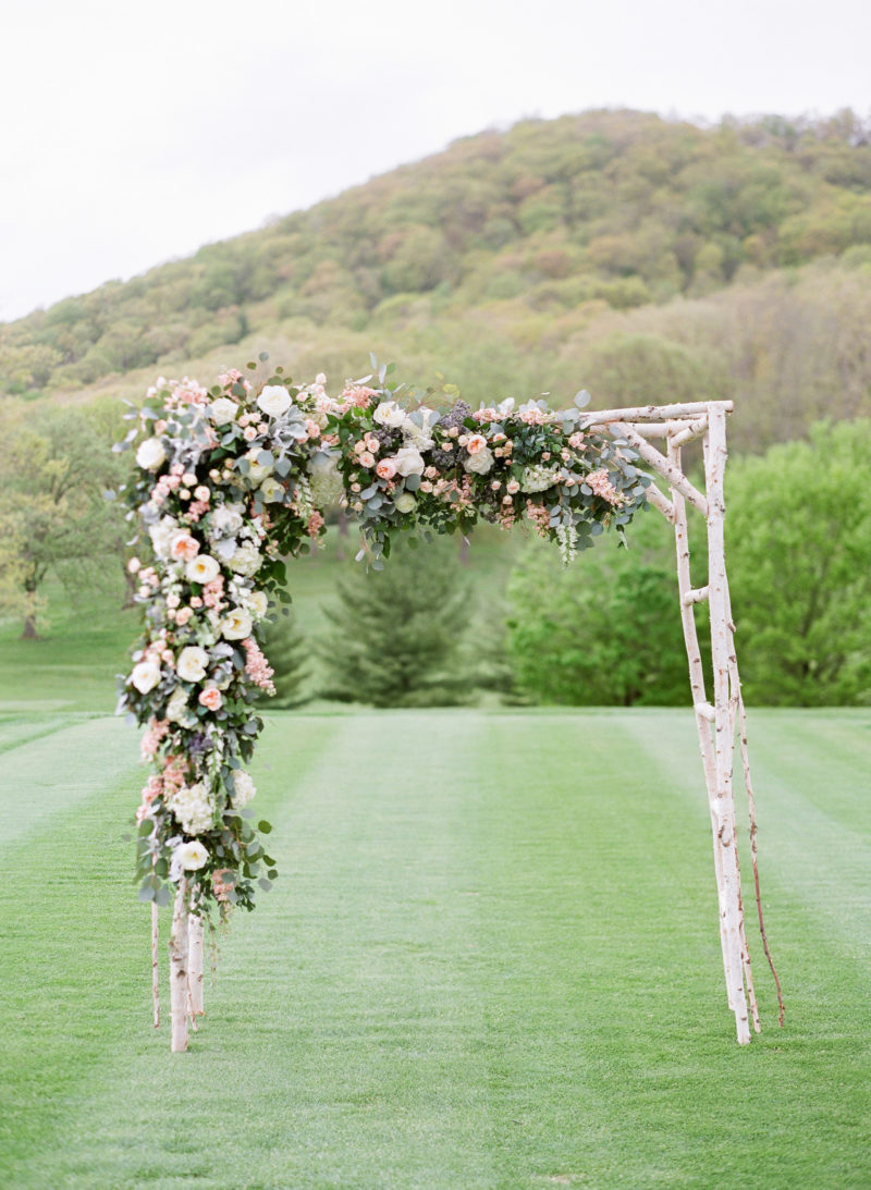 theknot-spring-virginia-homestead-wedding_030