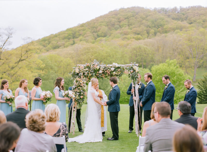 theknot-spring-virginia-homestead-wedding_032